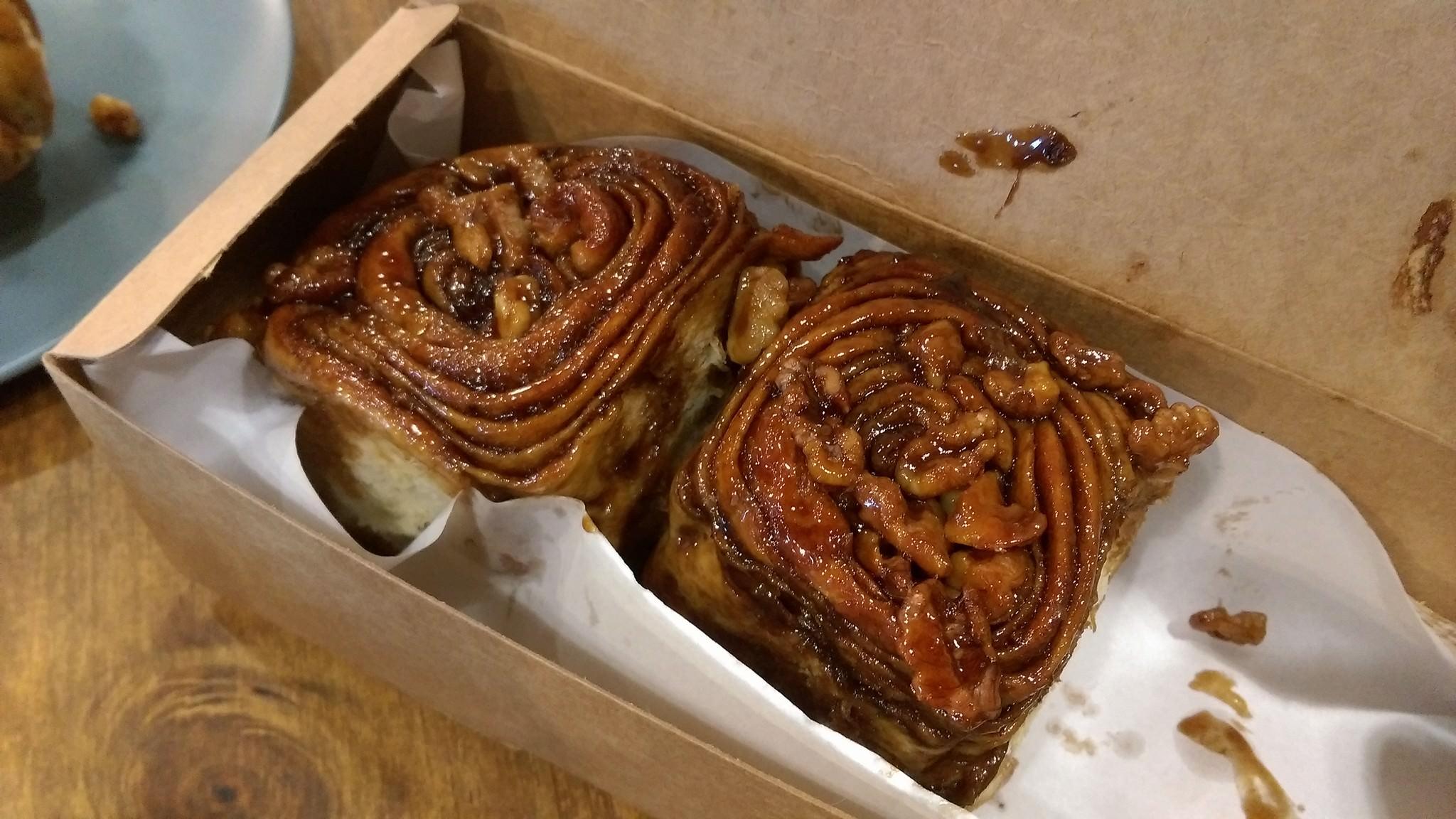 台北。Fly's Kitchen 蒼蠅廚房 Beautiful Cinnamon Roll Too Good For This World