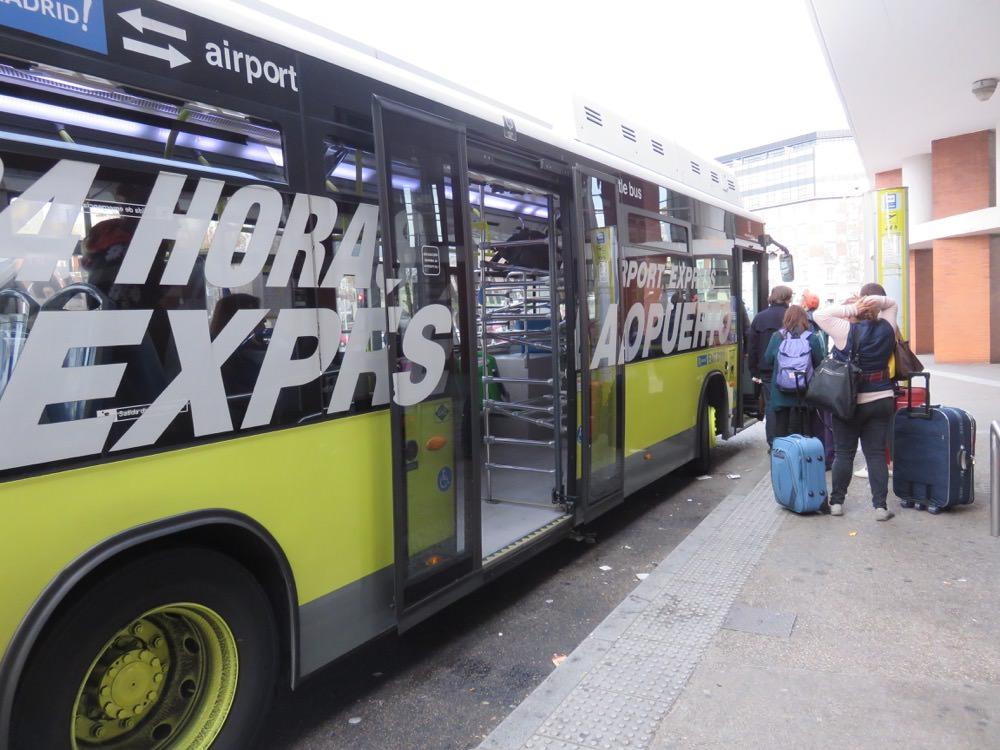 《西班牙》巴塞隆納機場 馬德里機場 行李寄放