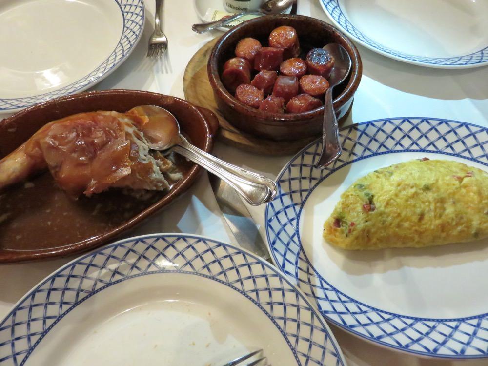 《西班牙》塞哥維亞 烤乳豬 傳統料理Mesón De Cándido
