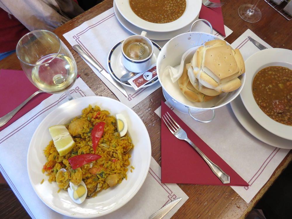 《西班牙Salamanca》Mesón Cervantes盤盤震驚的每日特餐