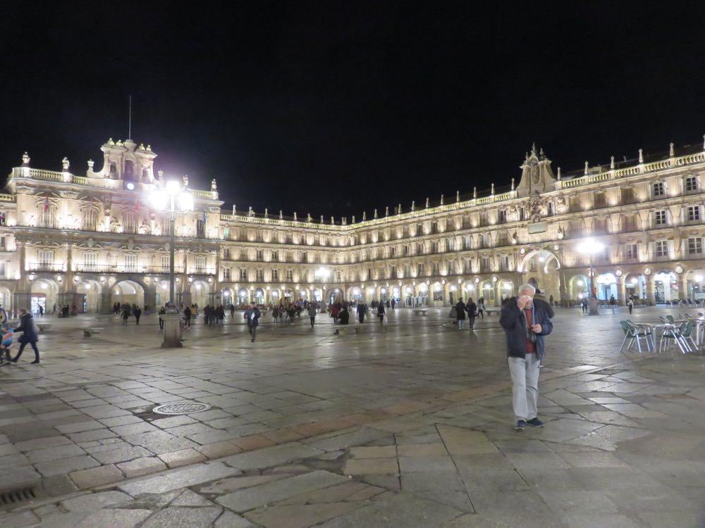 《西班牙Salamanca》漫步最大廣場與最古老大學