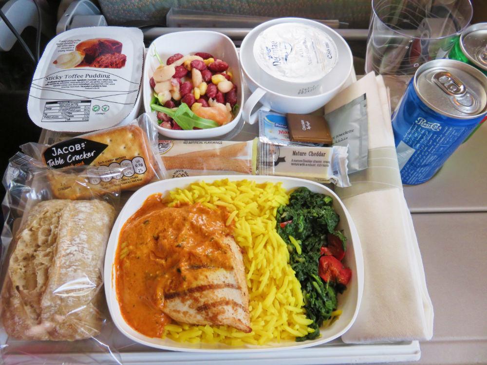 《阿聯酋航空 Emirates》巴塞隆納轉杜拜飛台北
