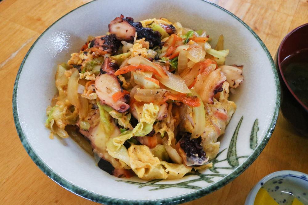 宮古島家常菜 章魚丼天堂在地食堂すむばり食堂