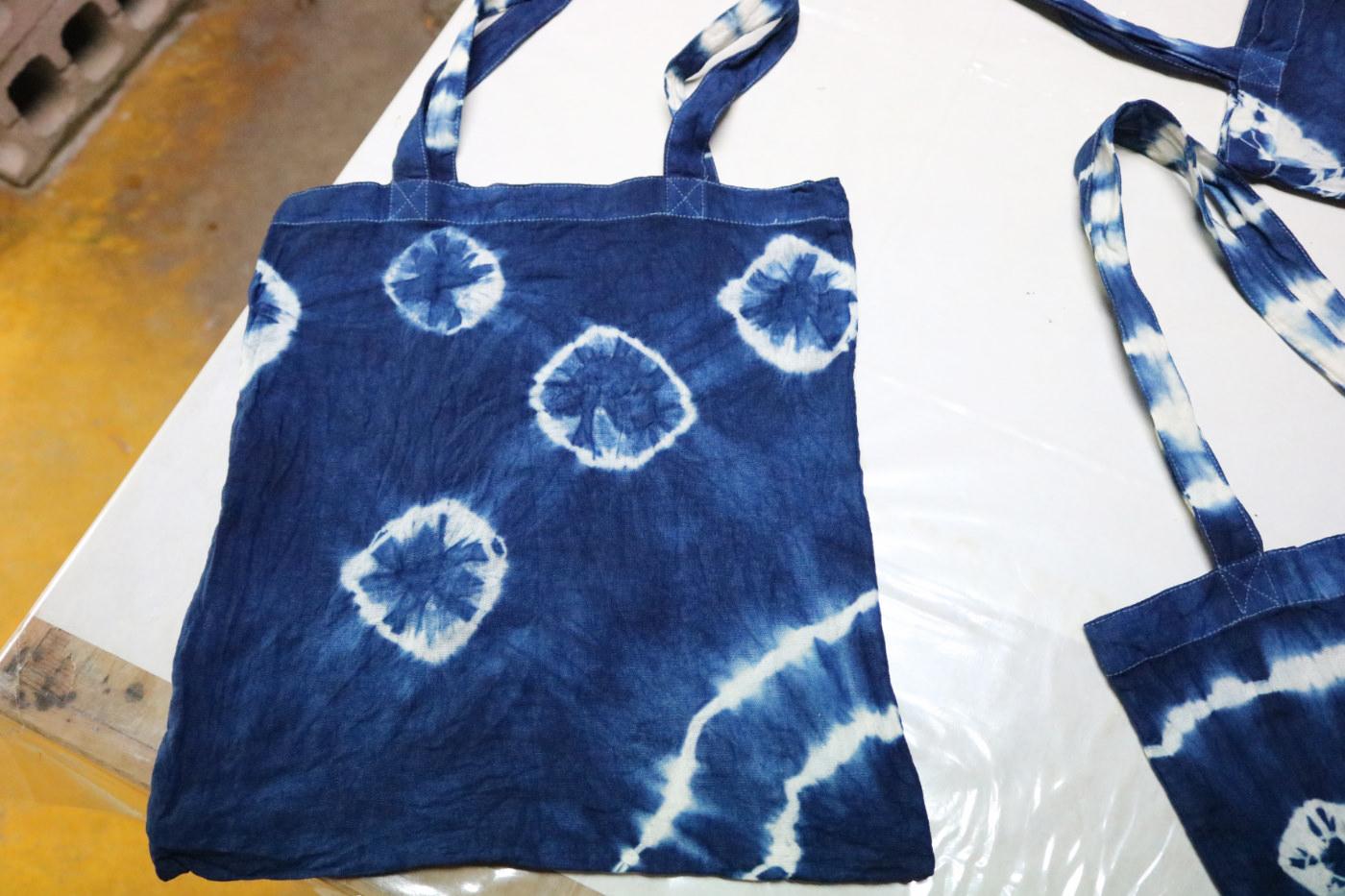 《日本》沖繩王國村傳統工藝藍染手作體驗 自己的布袋自己作
