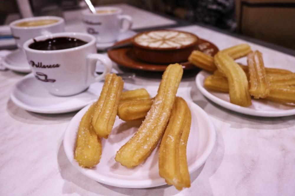 《西班牙》巴塞隆納炸油條與熱巧克力 甜點La Pallaresa