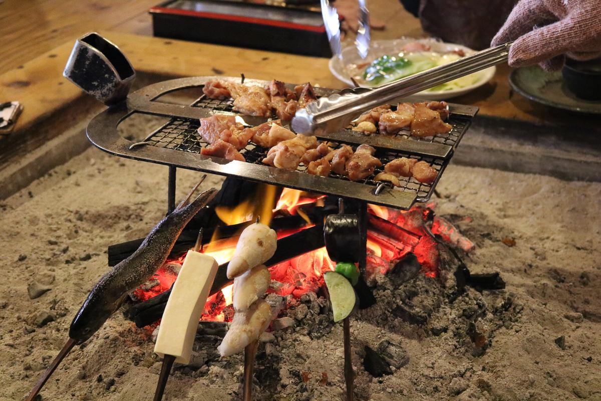 《日本》熊本阿蘇一心行櫻花 品嚐烤雞鄉土料理 高森田樂的里
