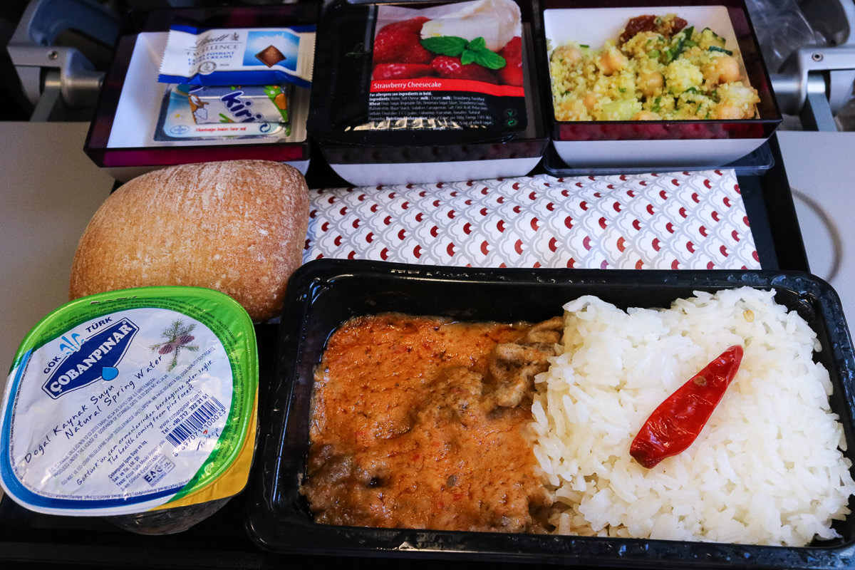 卡達航空香港轉機用餐不容易誤餐餐券好難拿