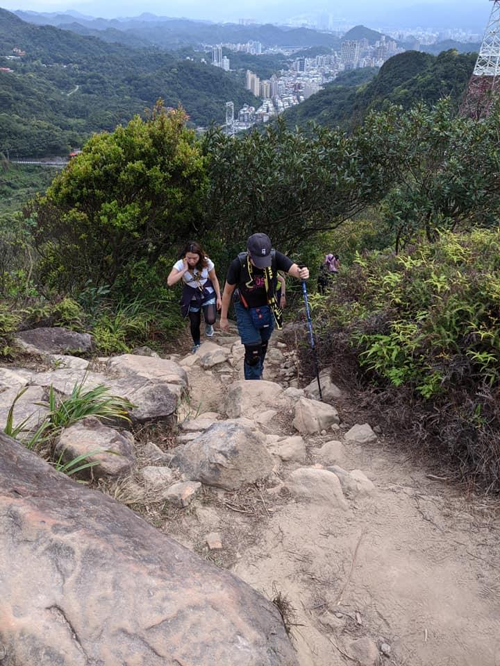 朝聖練走內湖山脊線大崙頭自然步道