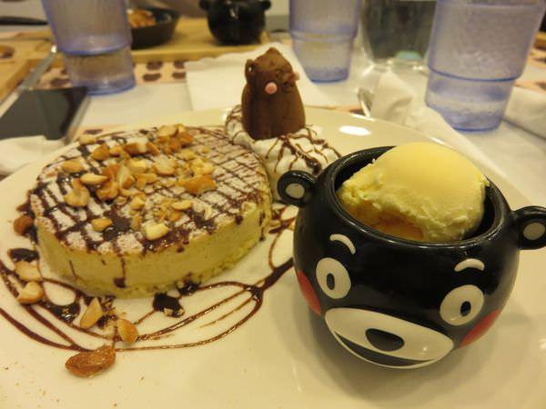 台北。Kuma cafe 熊本熊。鐵粉記得~餐墊就是你的伴手禮
