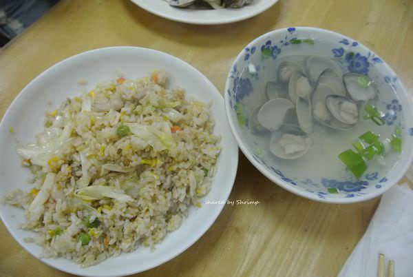 台北內湖 斌記飲食店 清爽肉絲炒飯配無沙溫暖蛤蜊湯