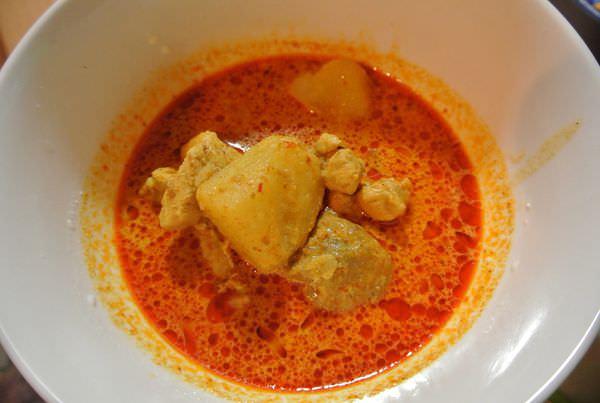 《新加坡》開箱烹調。百勝廚。新加坡咖哩。Singapore Curry。你也能當大廚