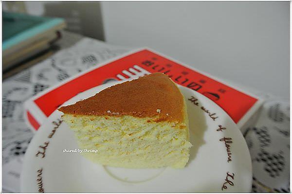 台北 力凡烘焙坊 輕熟感蛋糕~起司味擴散速度可比香香雞啊