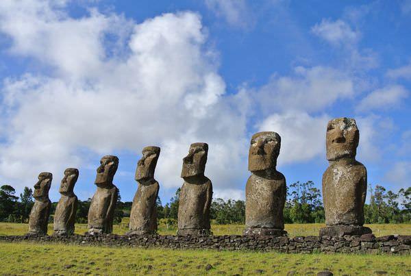 《南美》智利復活島。Ahu AKivi。世界盡頭。七座唯一面海moai