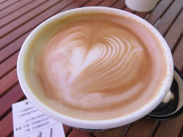 台北內湖。醜小鴨咖啡 外帶吧 Express coffee bar 外帶拉花不偷懶 201509更新