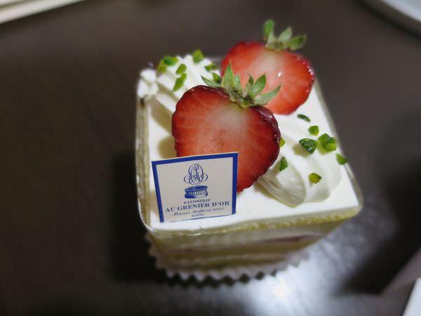 《日本》京都。PATISSERIE AU GRENIER D'OR 無緣內用也堅持外帶的米其林三星甜點