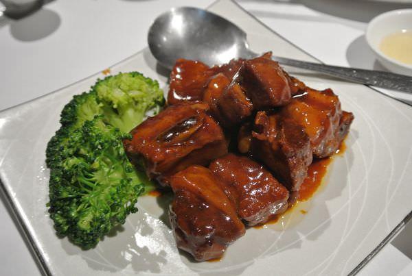 《台北》友善餐廳。上海鄉村餐廳。濟南店。老牌餐廳的威力