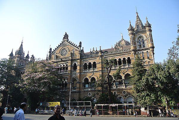 奇幻西印Day12 孟買 神秘味道的千人洗衣場+世界遺產之一 維多利亞車站CST