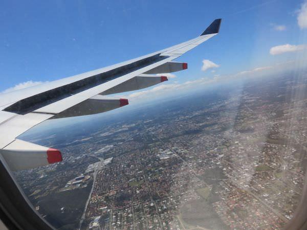 《澳洲》新加坡航空 Singapore Airlines 轉新加坡至布里斯本 海關刁難個毛啊大家要小心