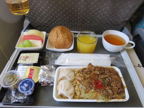 《澳洲》新加坡航空 Singapore Airlines 布里斯本 轉新加坡回台北 優秀到沒話講 updated