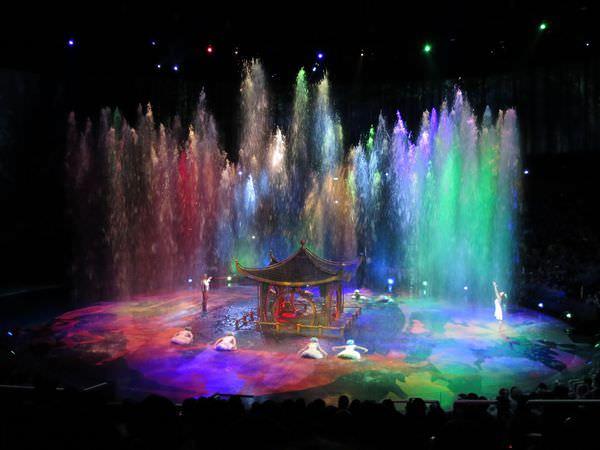 澳門。水舞間。City of Dreams。未成年也可以看的豪華水上表演